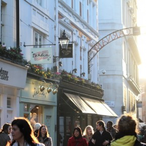 1fouberts_carnaby_footfall