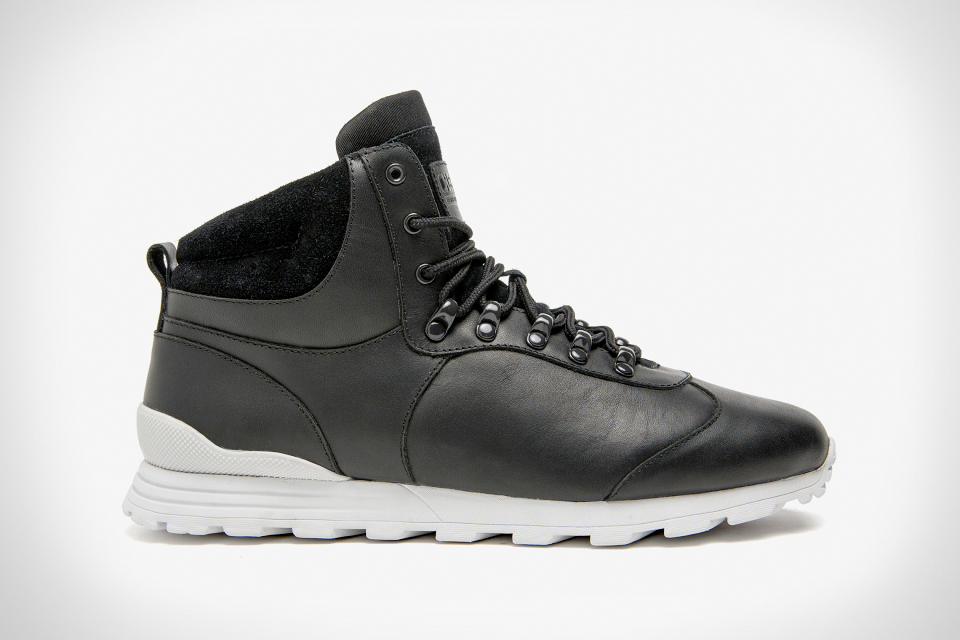CLAE Robinson Mid-Top Hike Runner